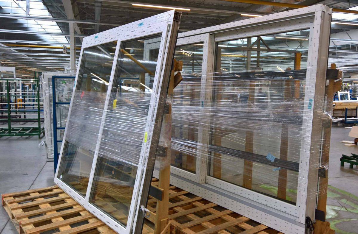 large-aluminum-window-1200x786.jpg